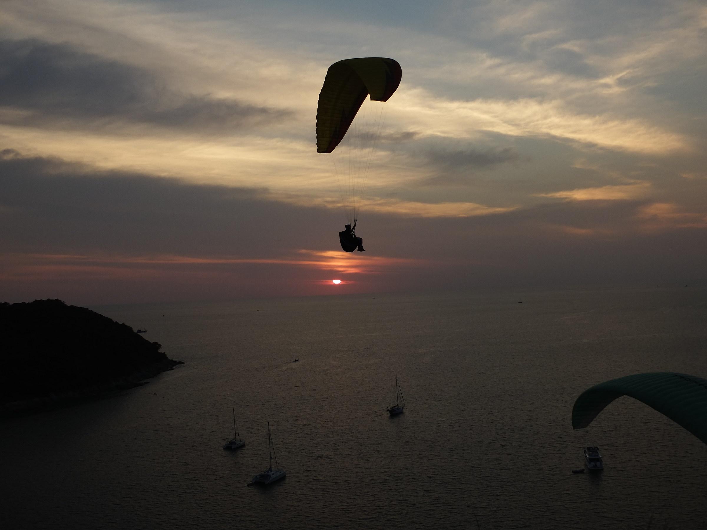 Paragliding Thailand...