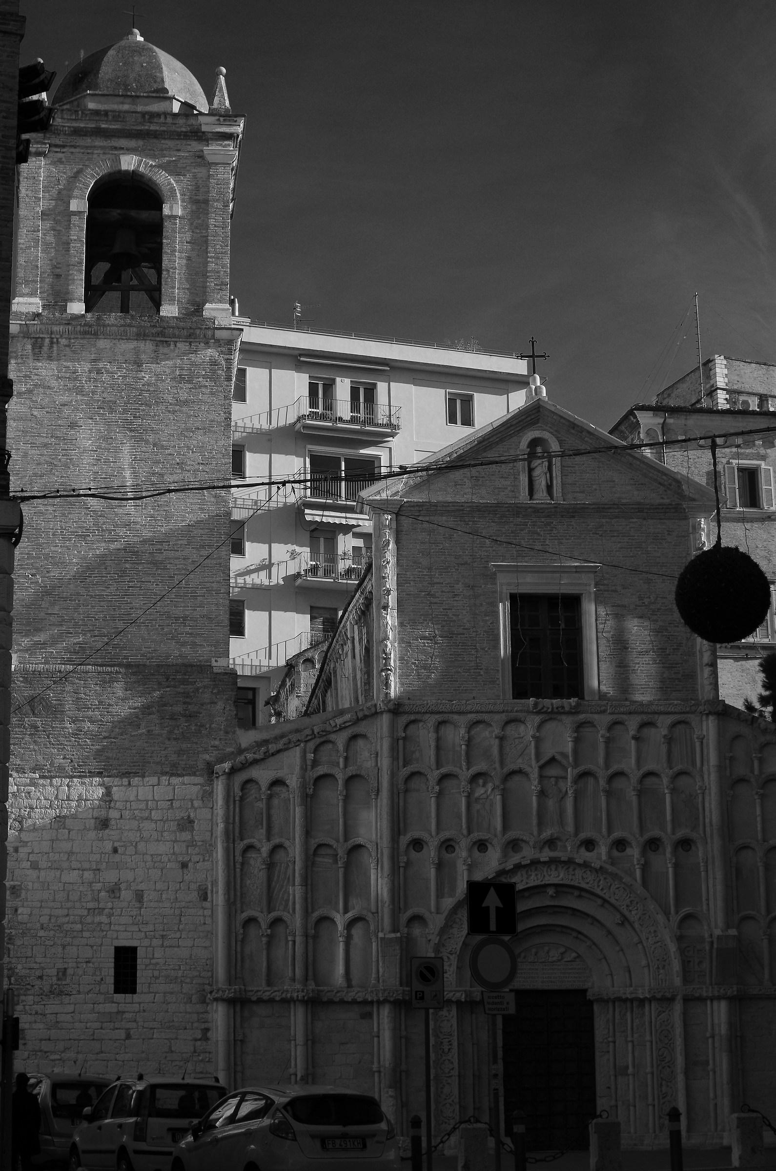 S. Maria della Piazza AN...