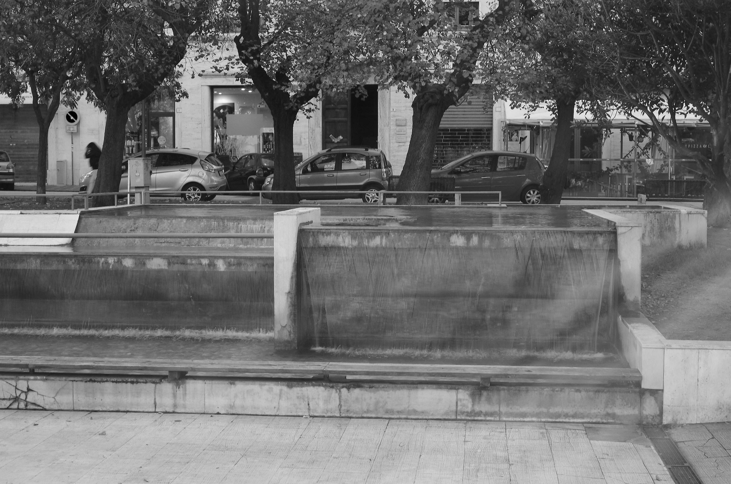Fontana_Piazza Diaz AN...