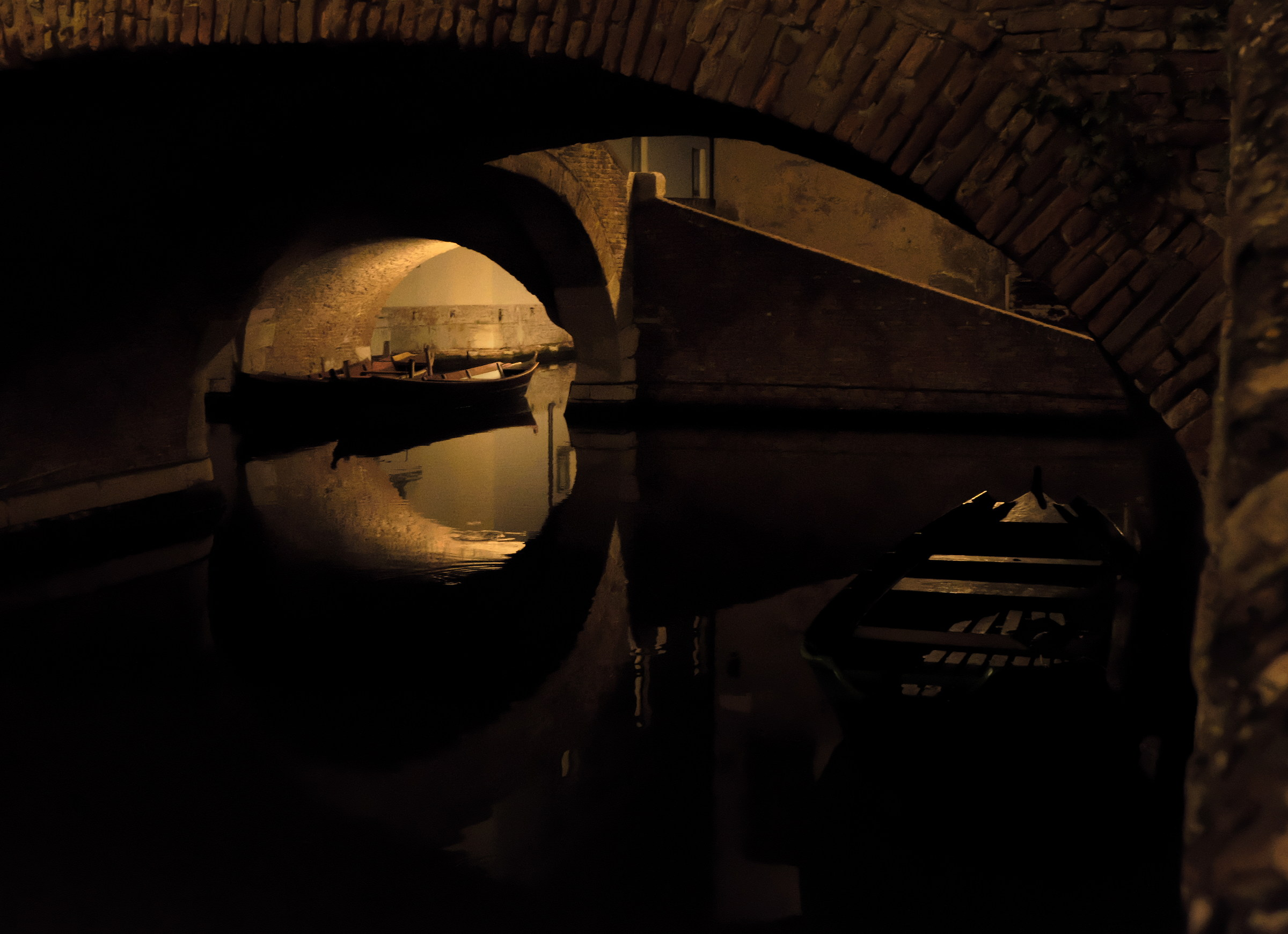 Uno sguardo sotto il ponte...