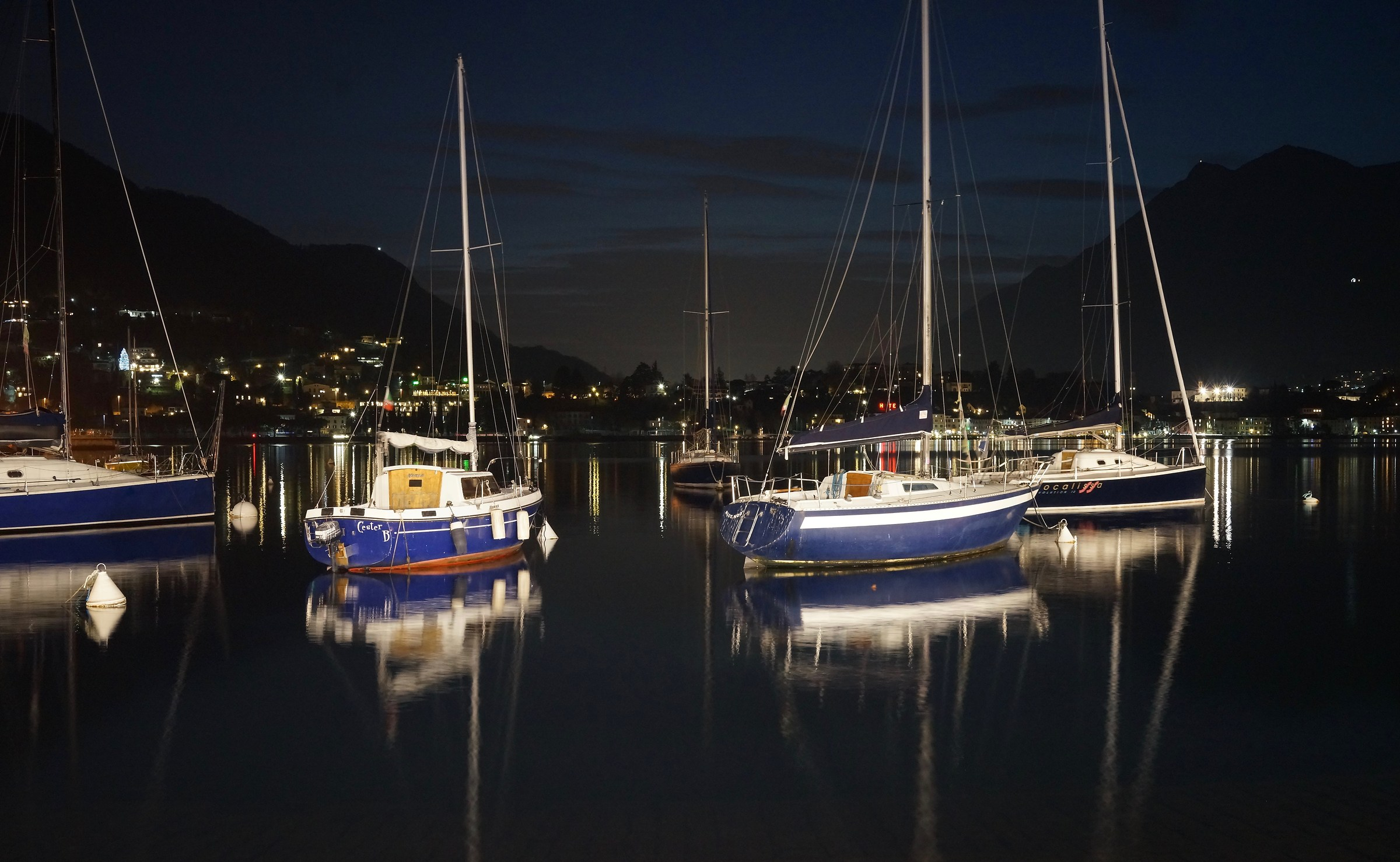 Lake Lecco, night with boats...