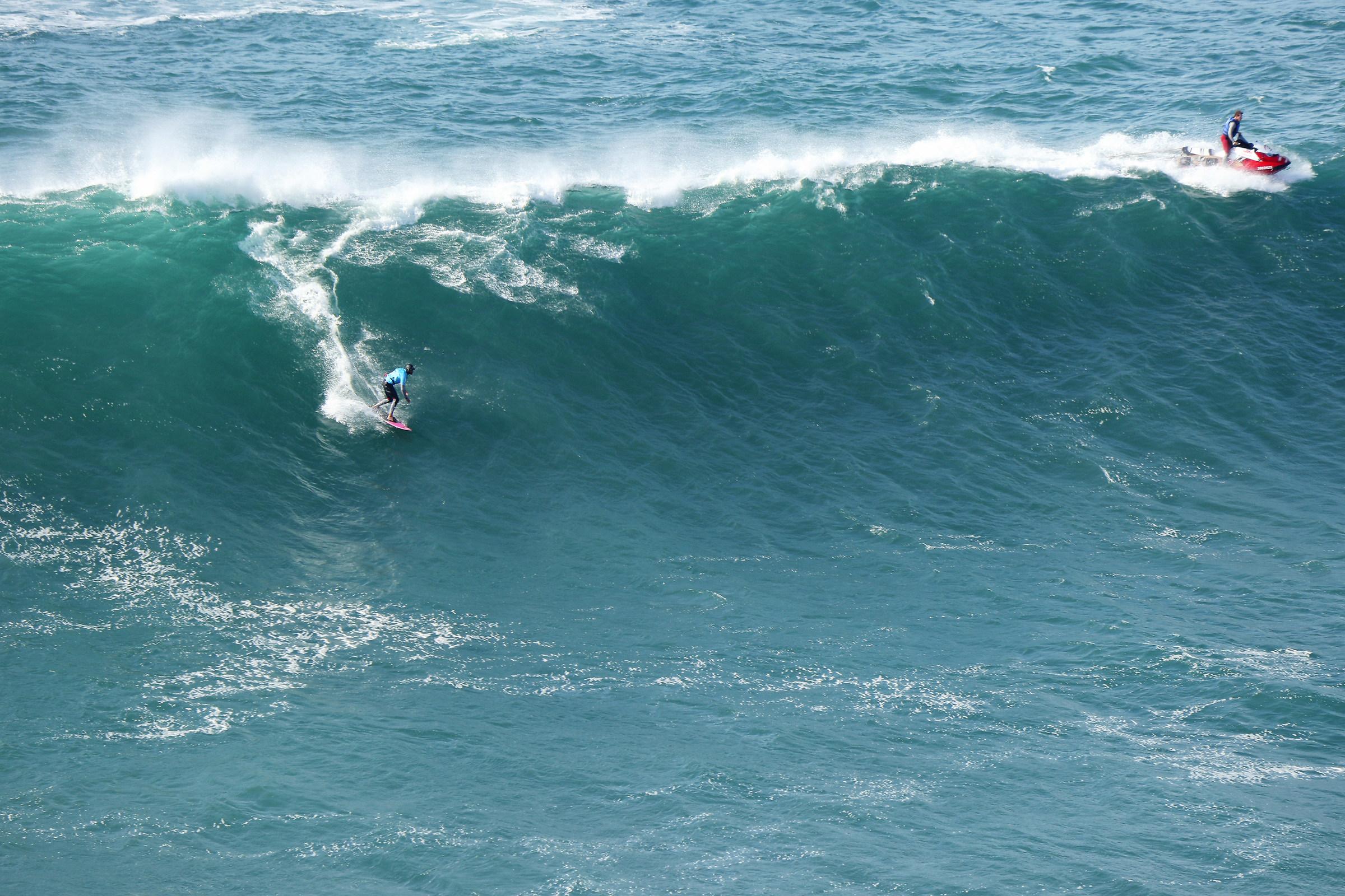 Surf in Nazareth 2 ...