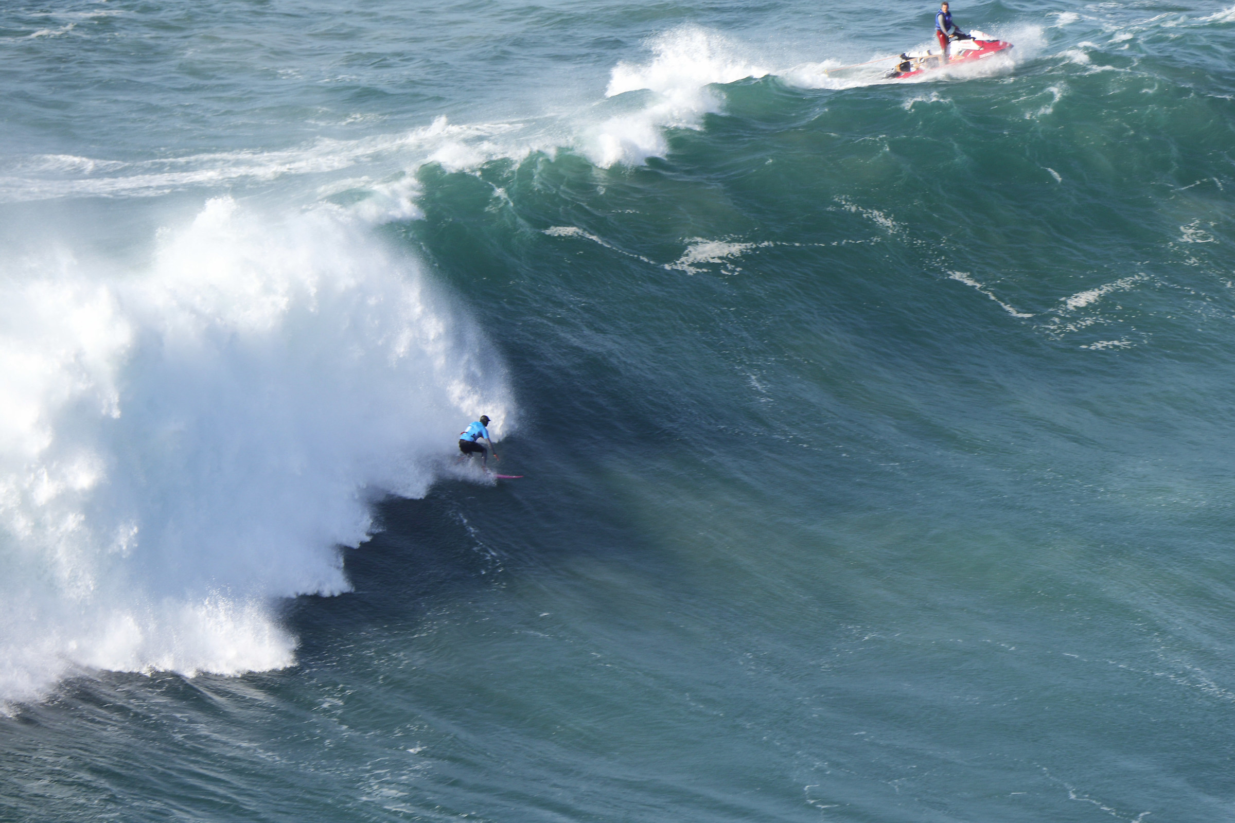 Surf in Nazareth 3...