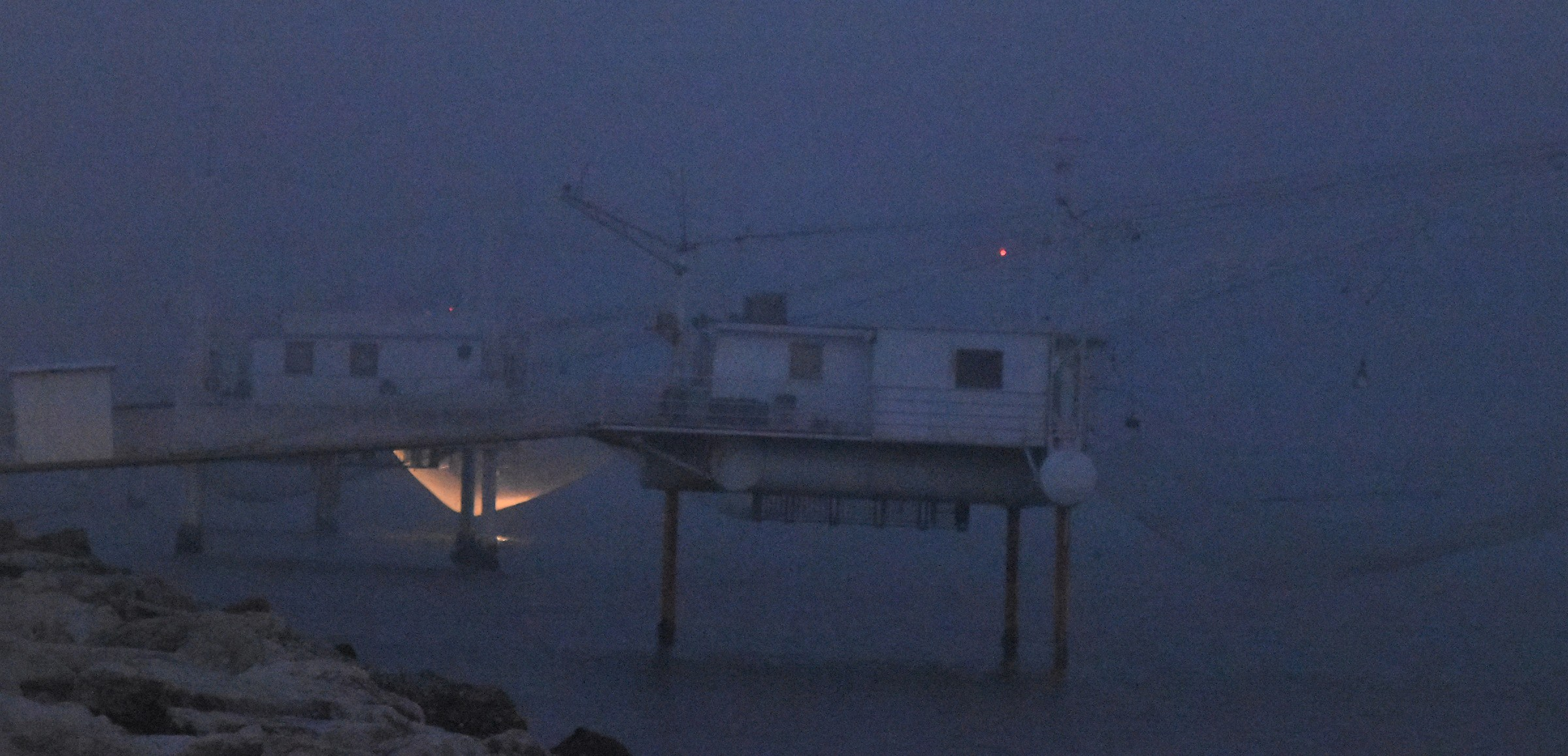 In the fog.. In the net I caught the light...