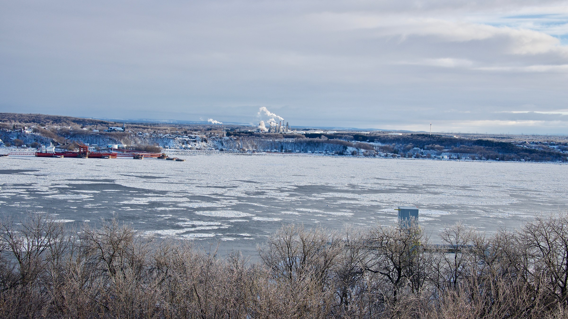 St. Lawrence River has an ice mat - Quebec City...