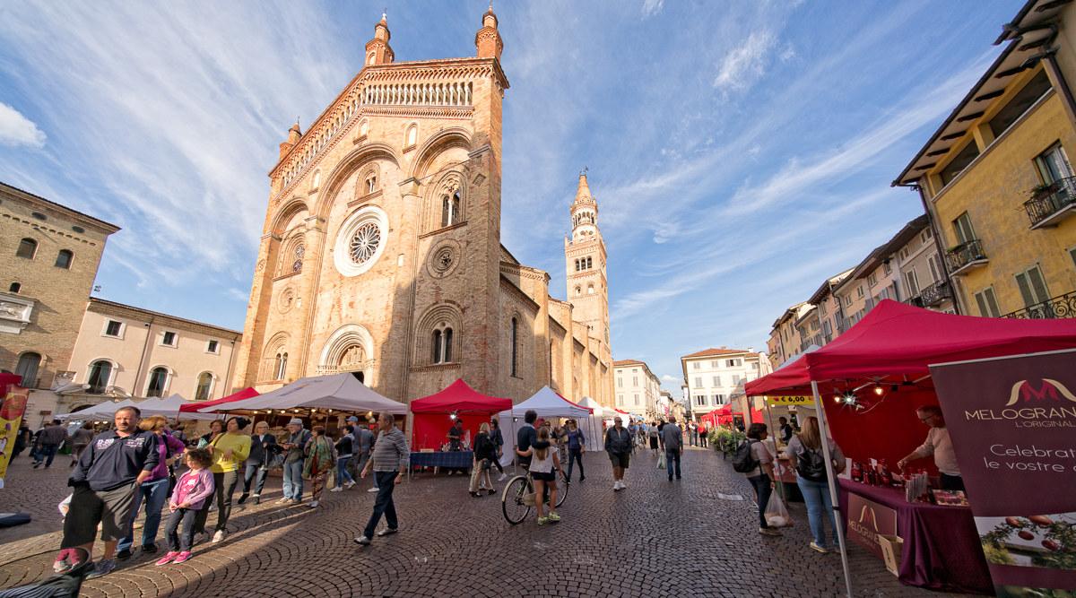 Cream, Piazza Duomo...