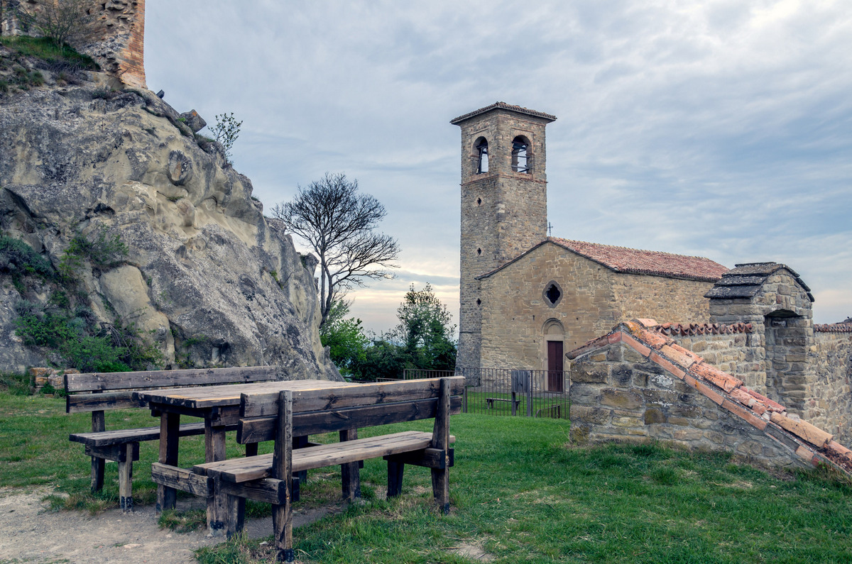 Carpineti-Castle Matildico-Church of Sant ' Andrea...