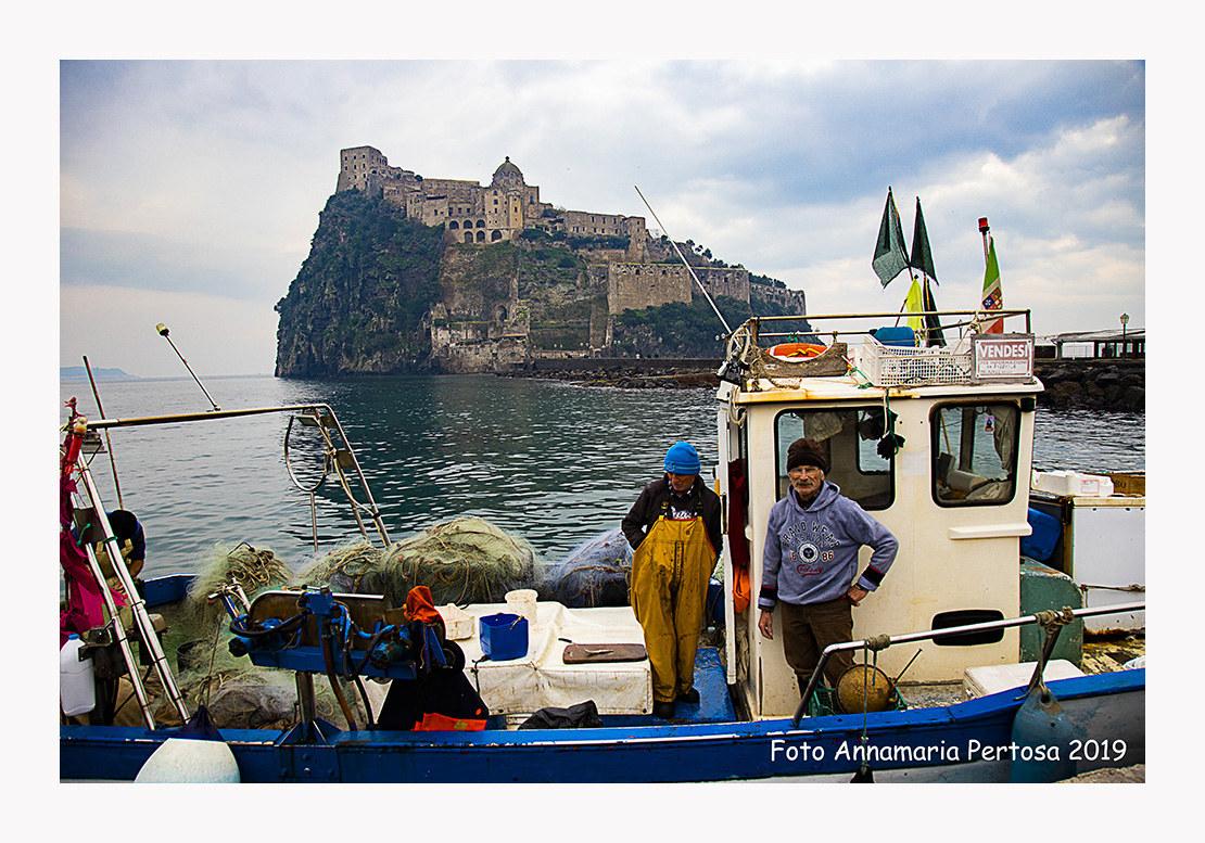 Il Castello Aragonese di Ischia e i suoi pescatori...