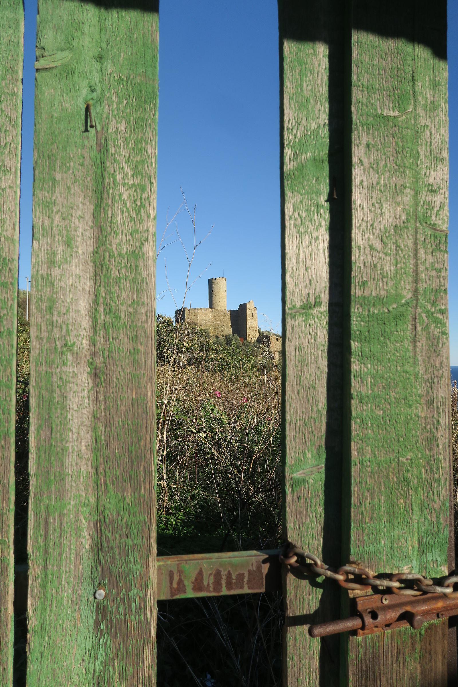 Castello di Monte Ursino - Noli...