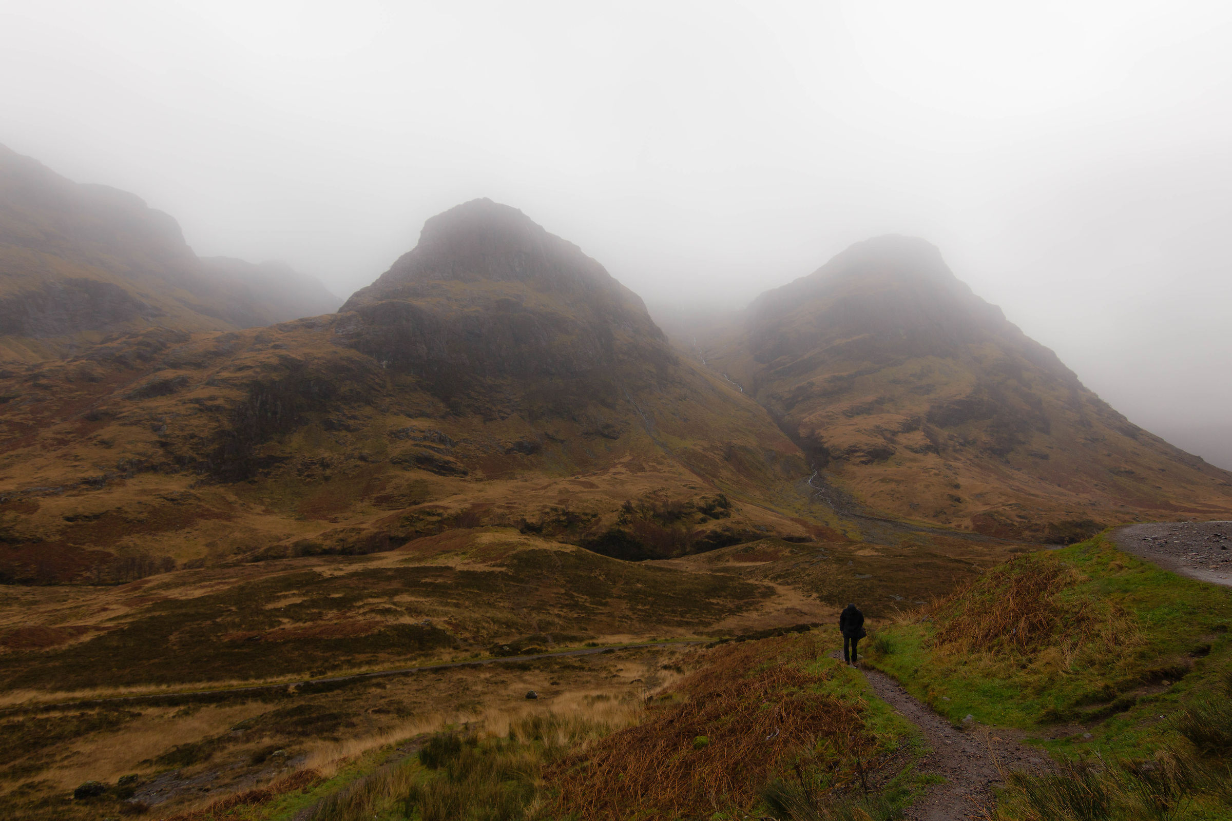 Due su tre: three sisters, Scotland...