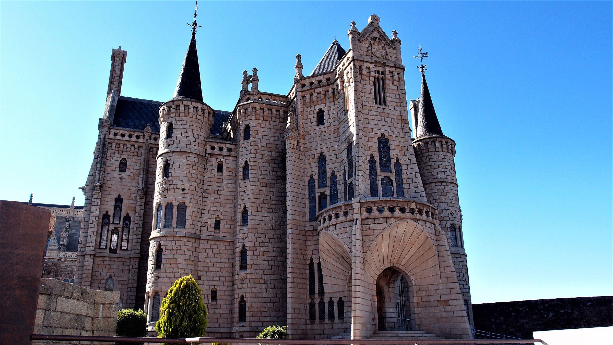 Astorga - Palazzo Episcopale (Gaudi)...