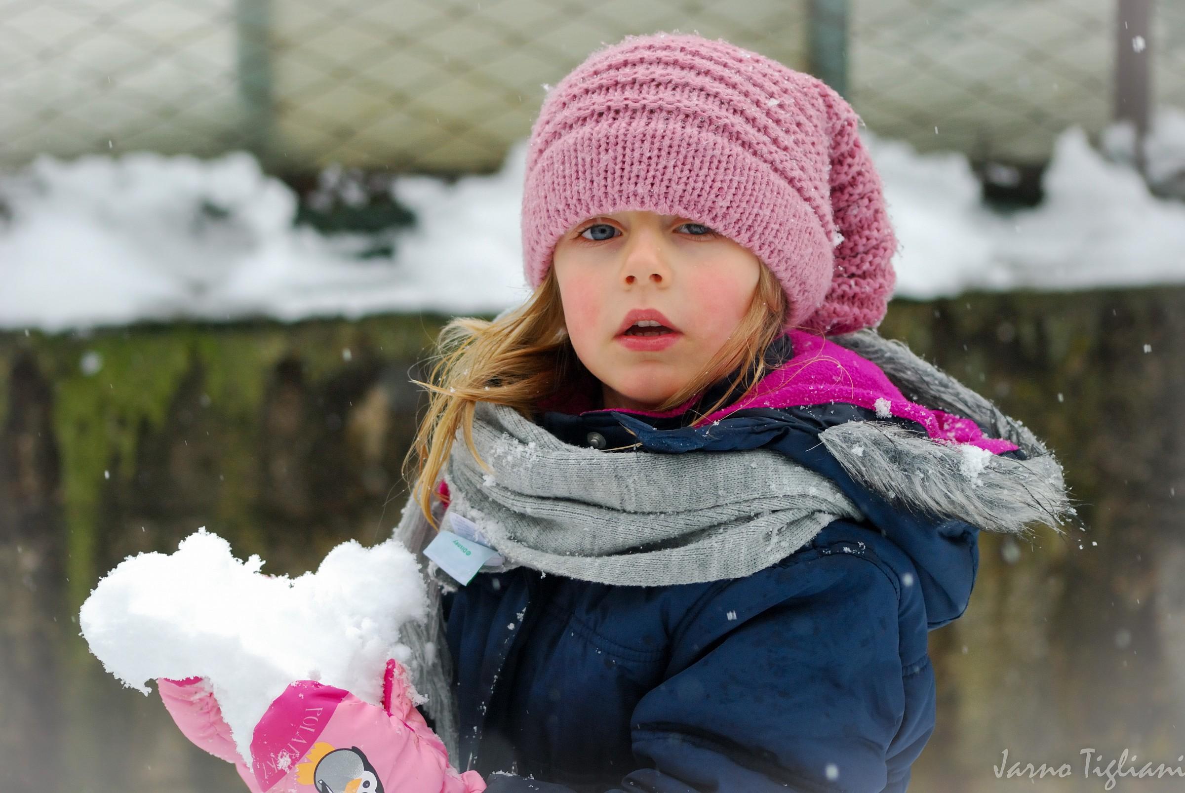 nicole in the snow 1...