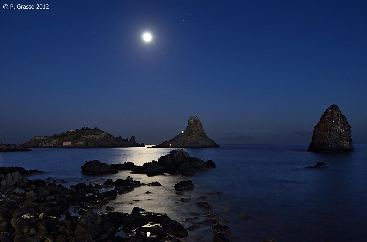 Isola Lachea e Faraglioni dei Ciclopi - Aci Trezza - Ct...