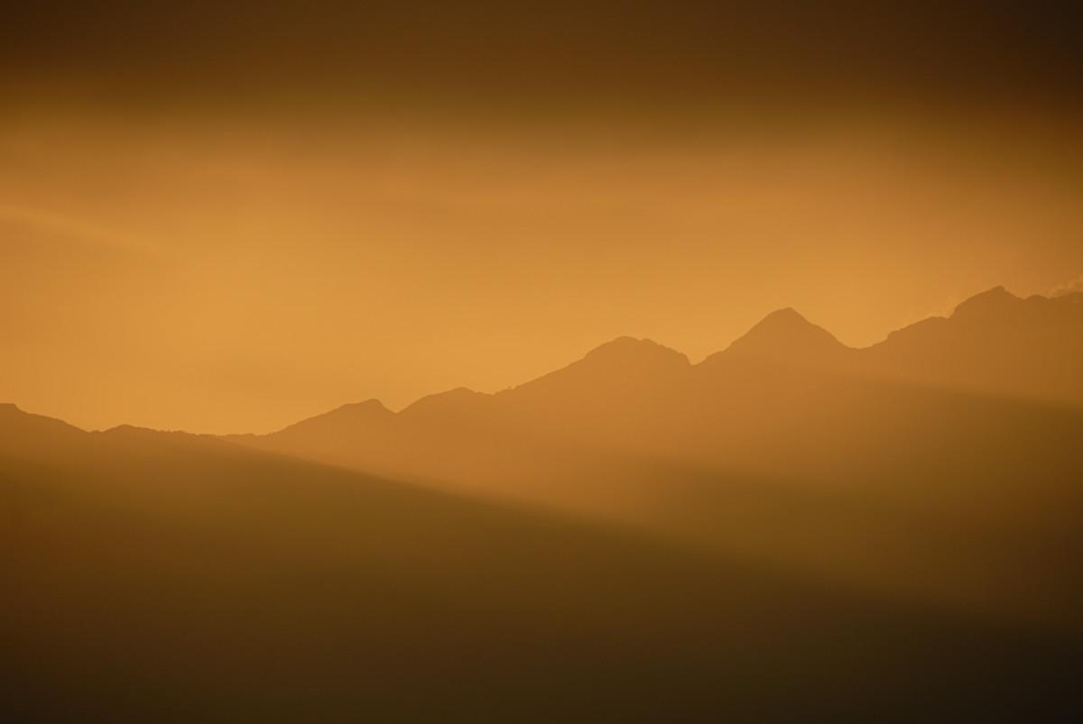 Giochi di luce sul monte Cavallo...