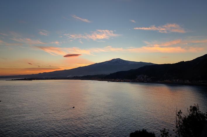 Bay of Taormina D90 nikkor 16-85 f 6.5 iso 200...