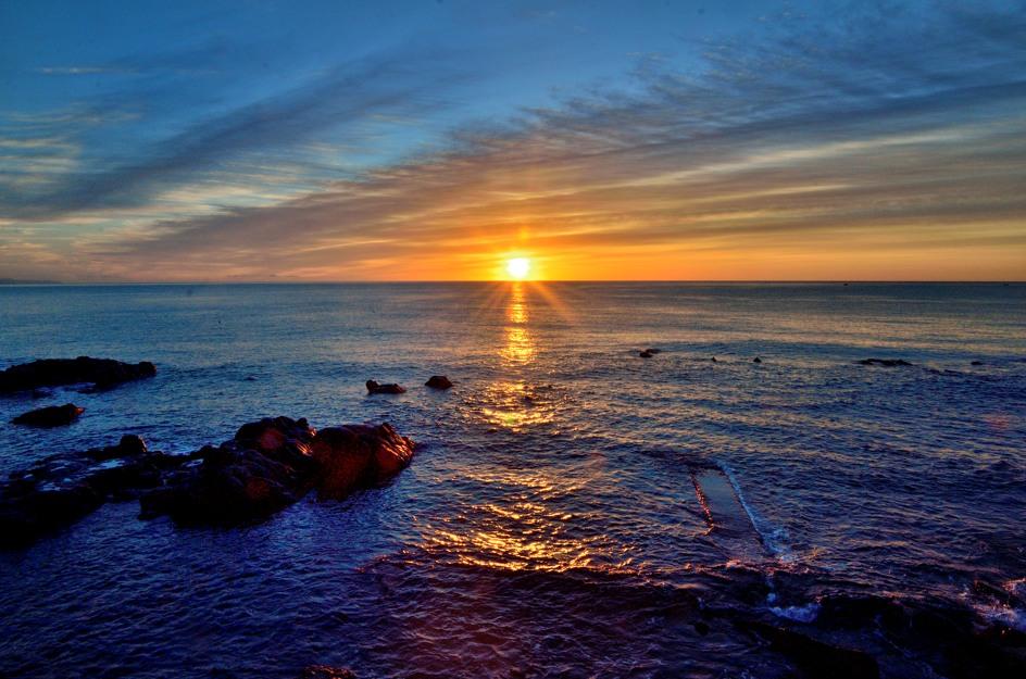 Sunrise in Giardini Naxos d7000 nikkor 16-85 iso 400 f 18...