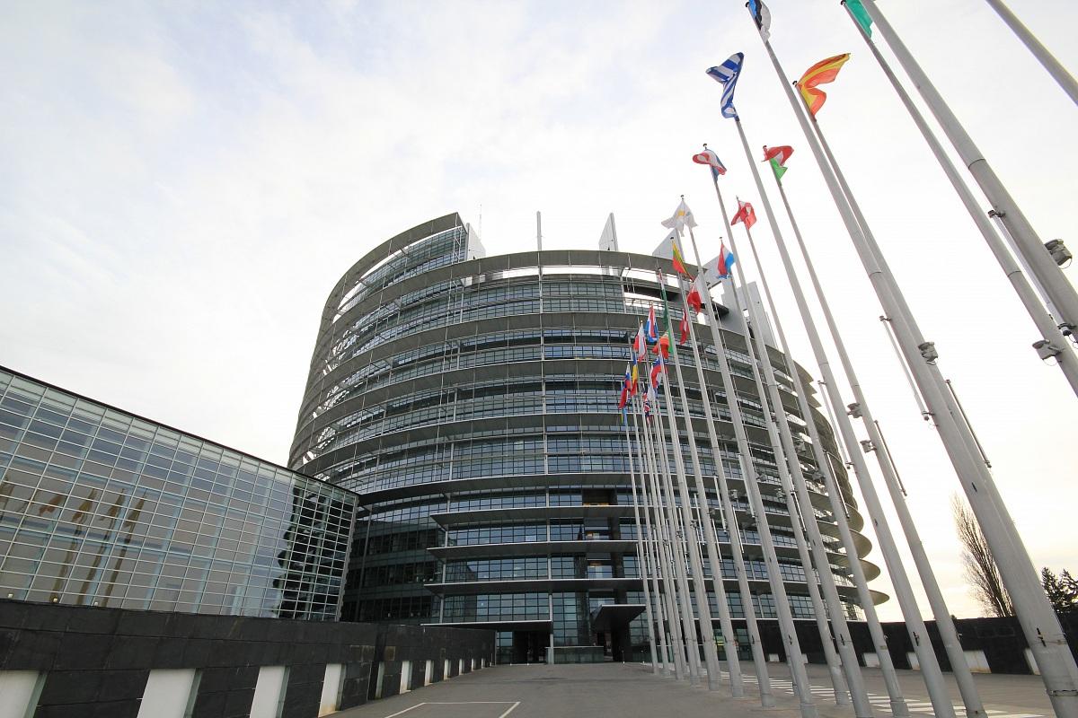 Parlamento Europeo II...