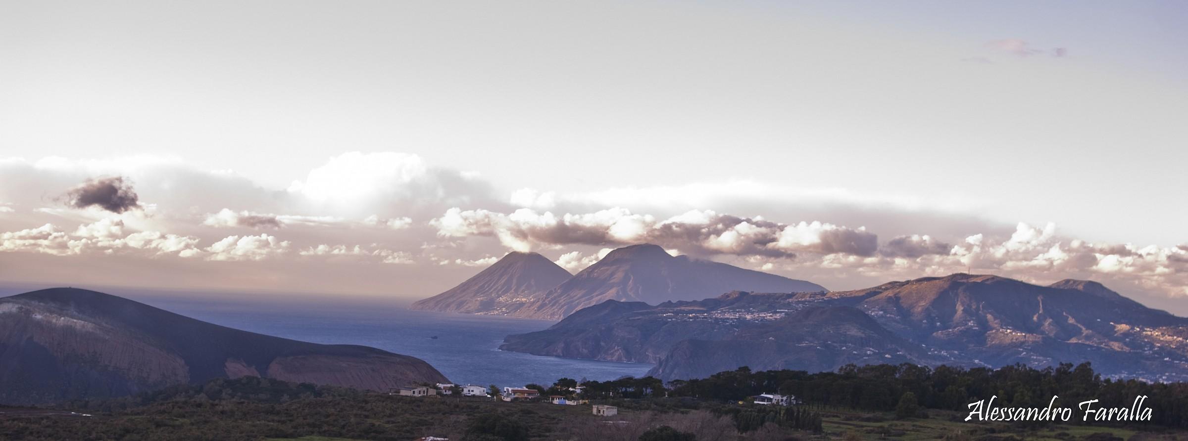 Vulcano - Lipari-Salina after a day of rain....