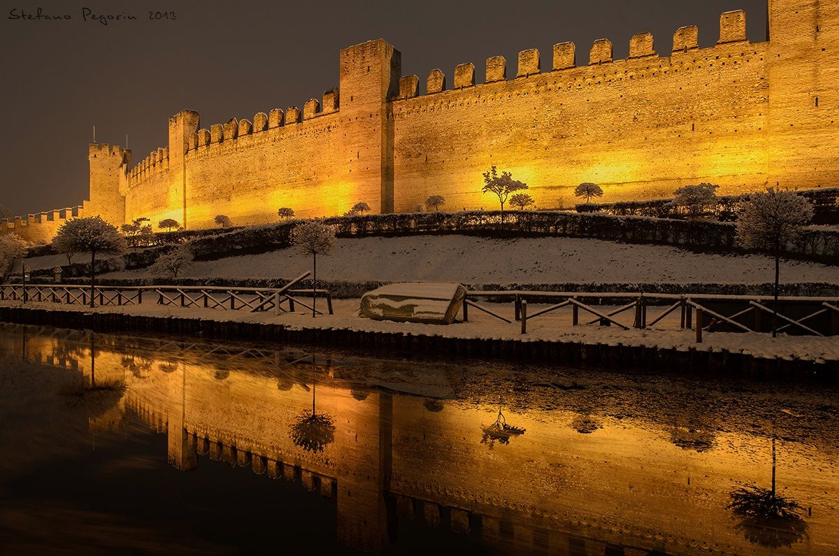 Cittadella by night by drugo77 juzaphoto for Mura cittadella