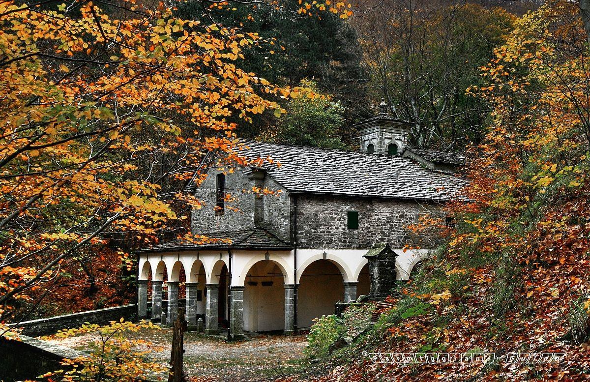 Santuario Beata Vergine del Faggio - Castelluccio - Por...