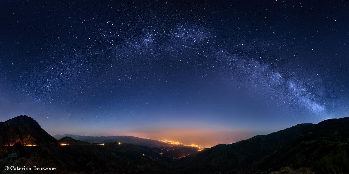 La Via Lattea sopra Genova...