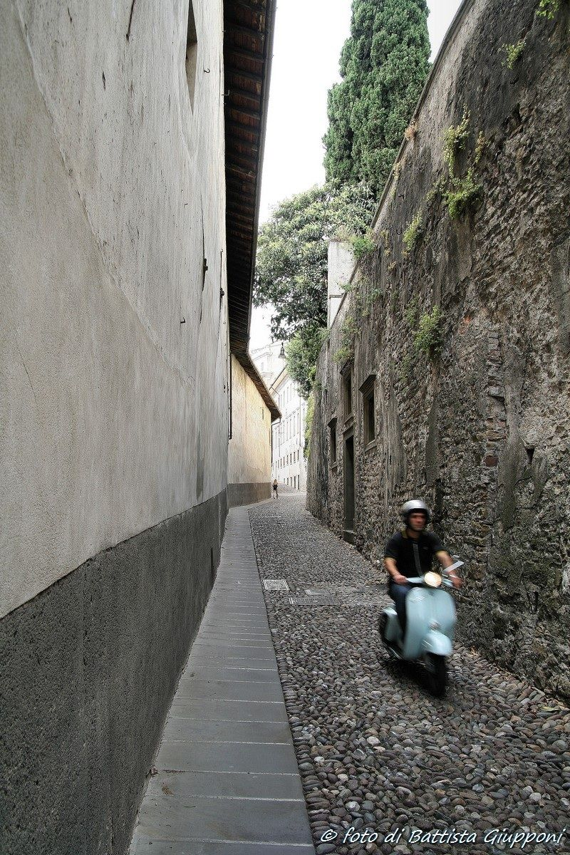 The scooter - Bergamo Alta...