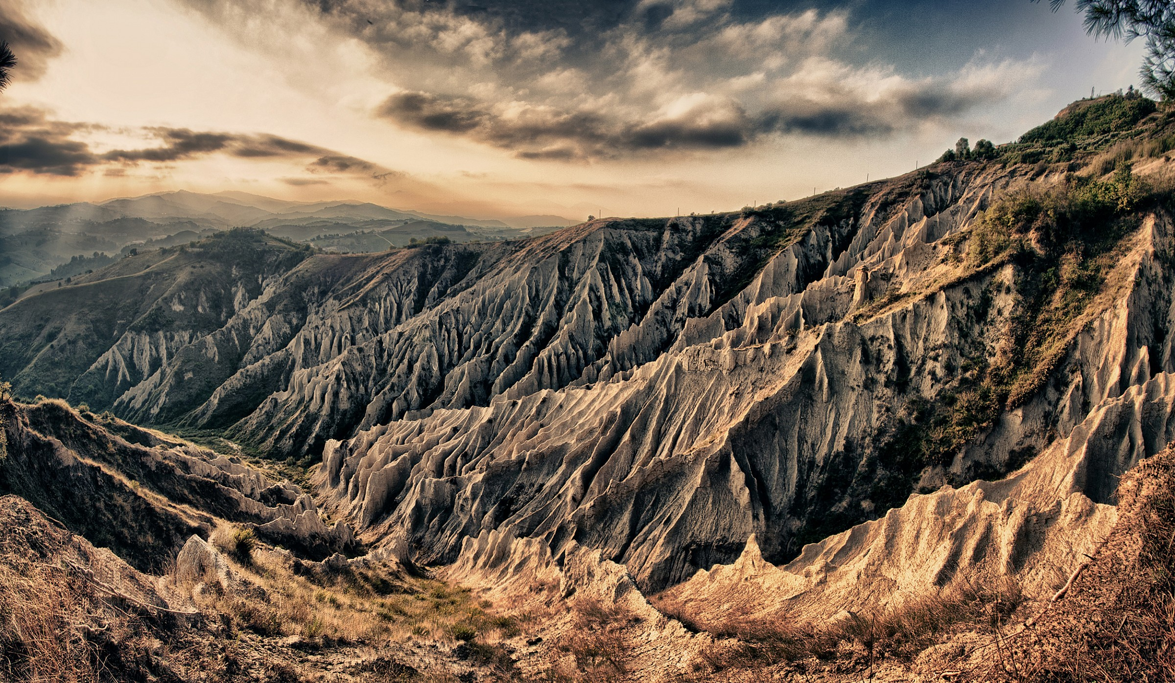 Badlands (Atri - Te)...