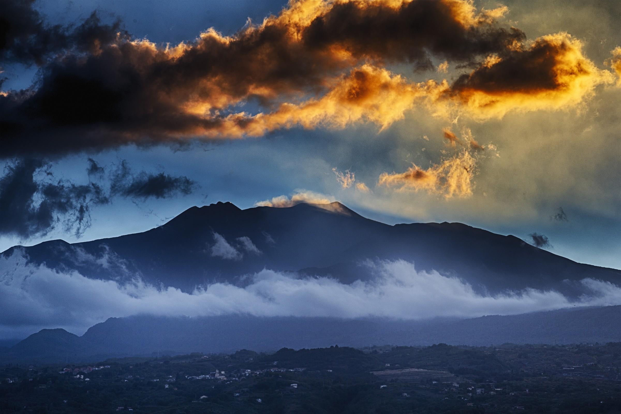 etna al tramonto da Fondachello (Mascali - CT)...