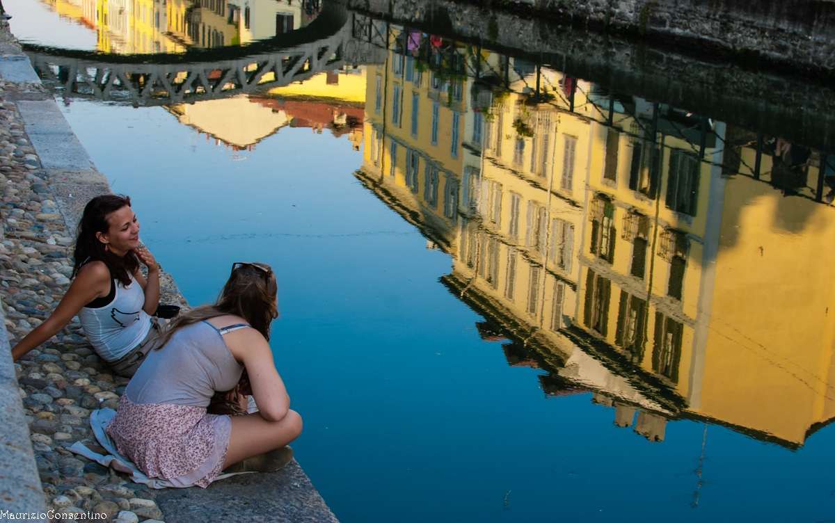 Confidences on the canals...