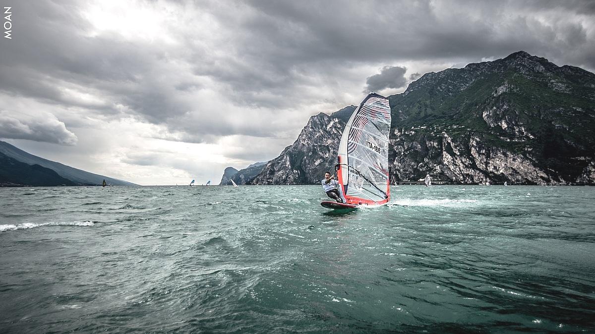 Windsurfing Speed...