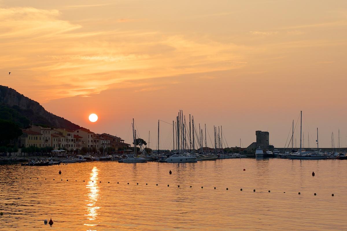 pesce, vino e tramonto...