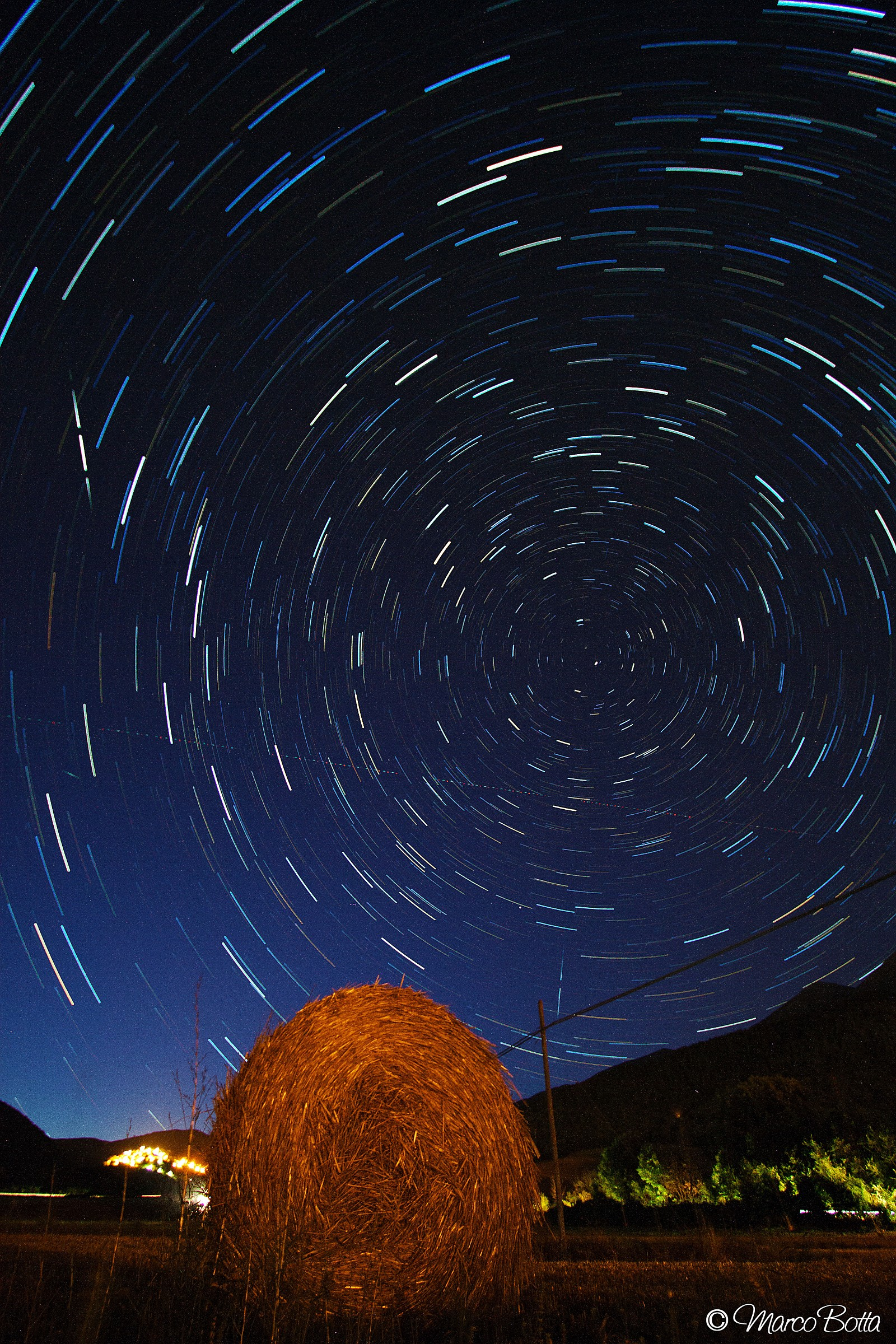 Startrail with hay bale p. 1...