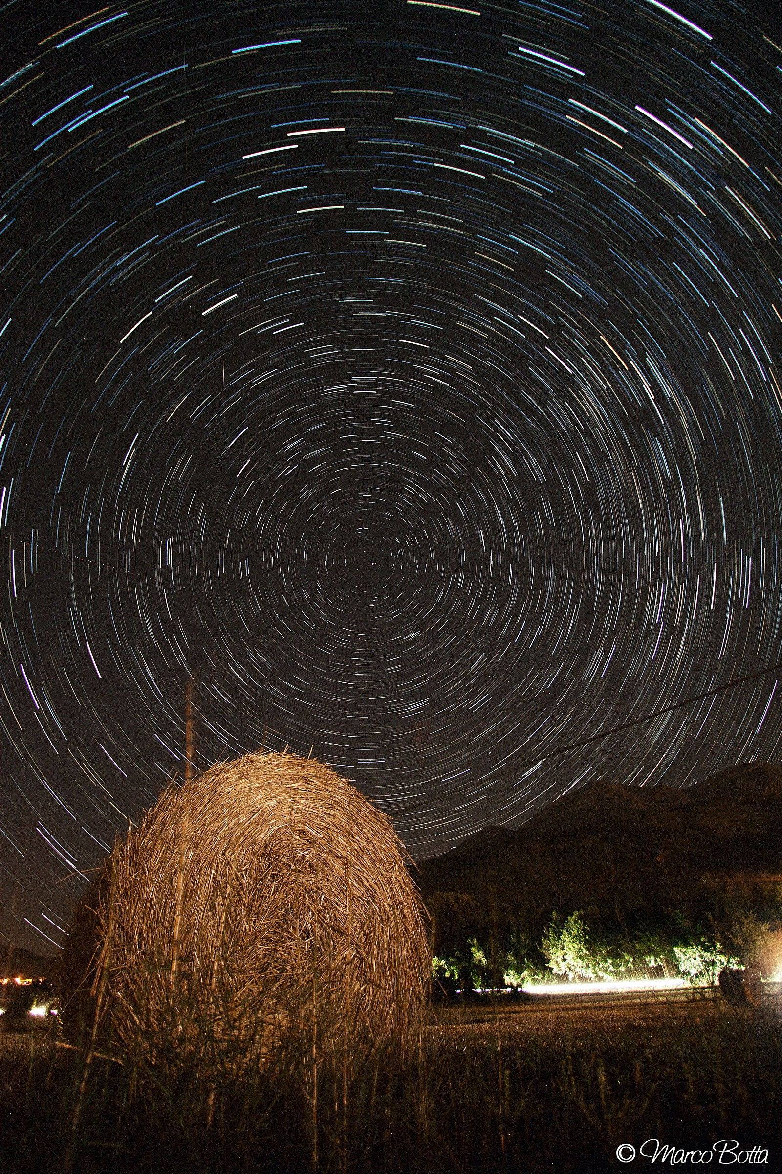 Startrail with hay bale p. 2...