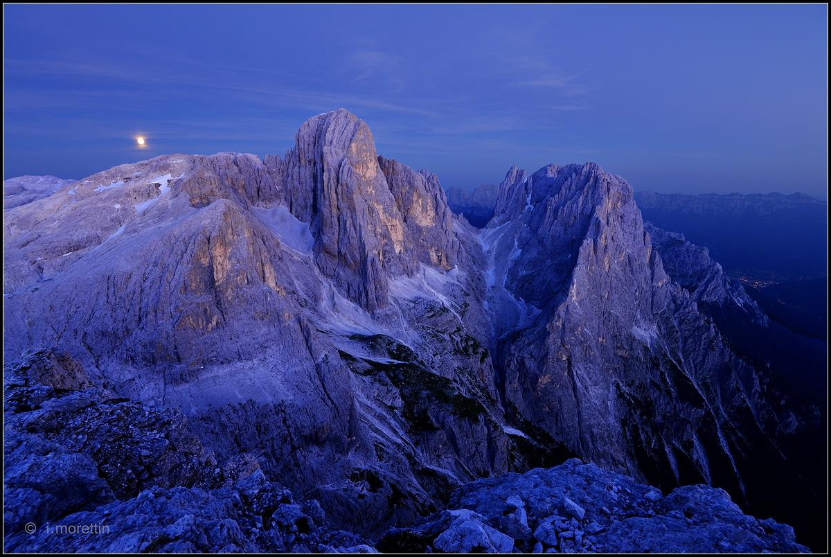 The moon rises ......