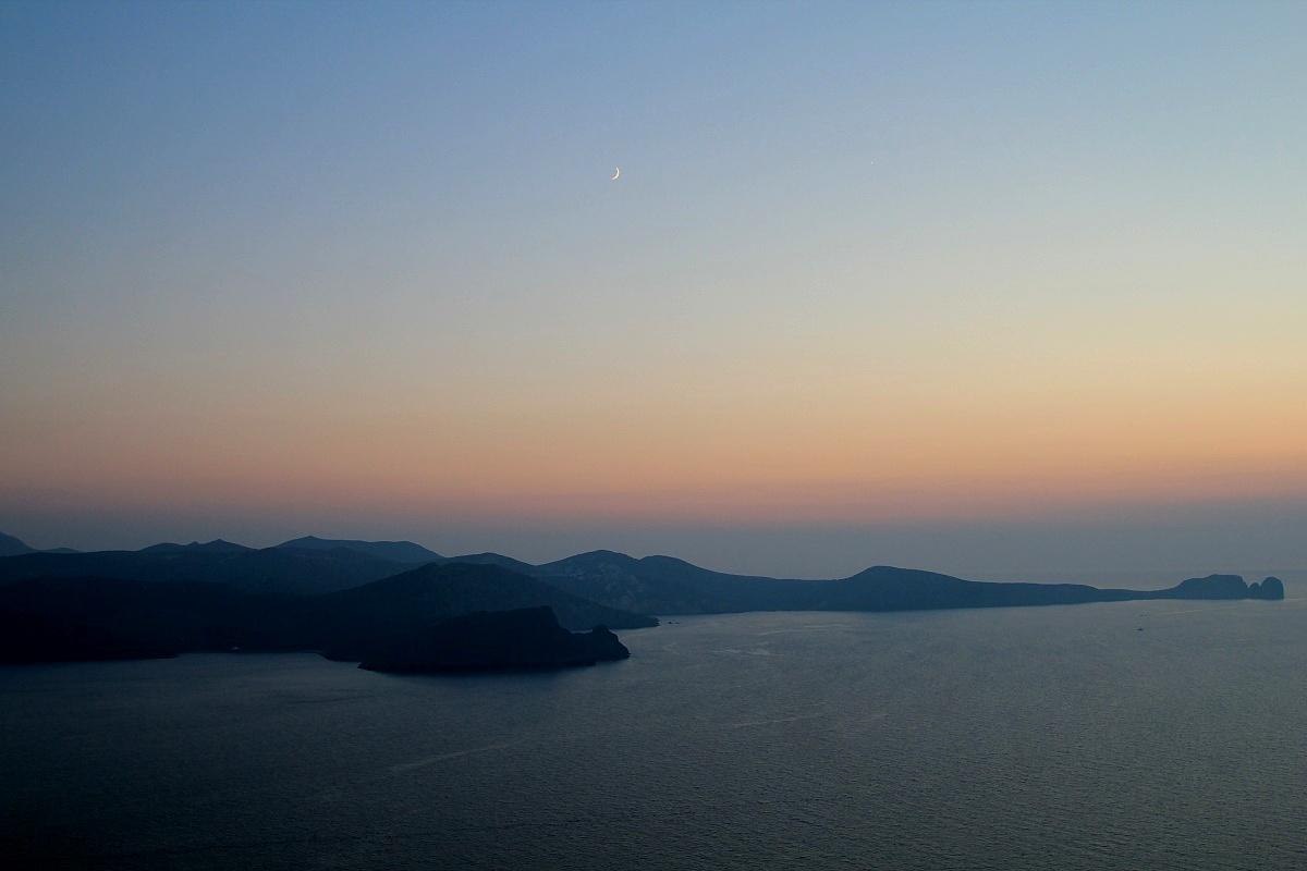 Milos, tramonto dalla Plaka...