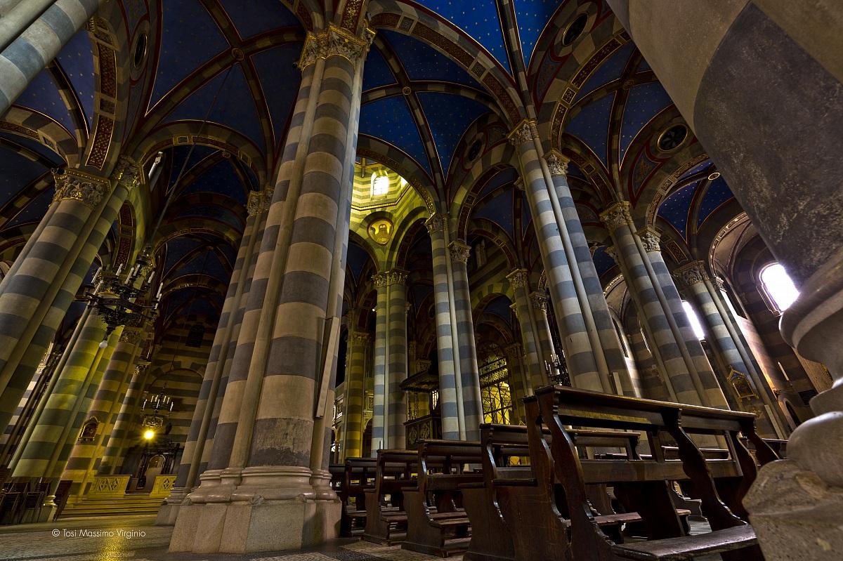 Duomo di sant 39 evasio interno juzaphoto for Interno j