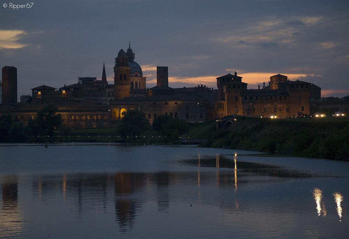 Mantova by night...