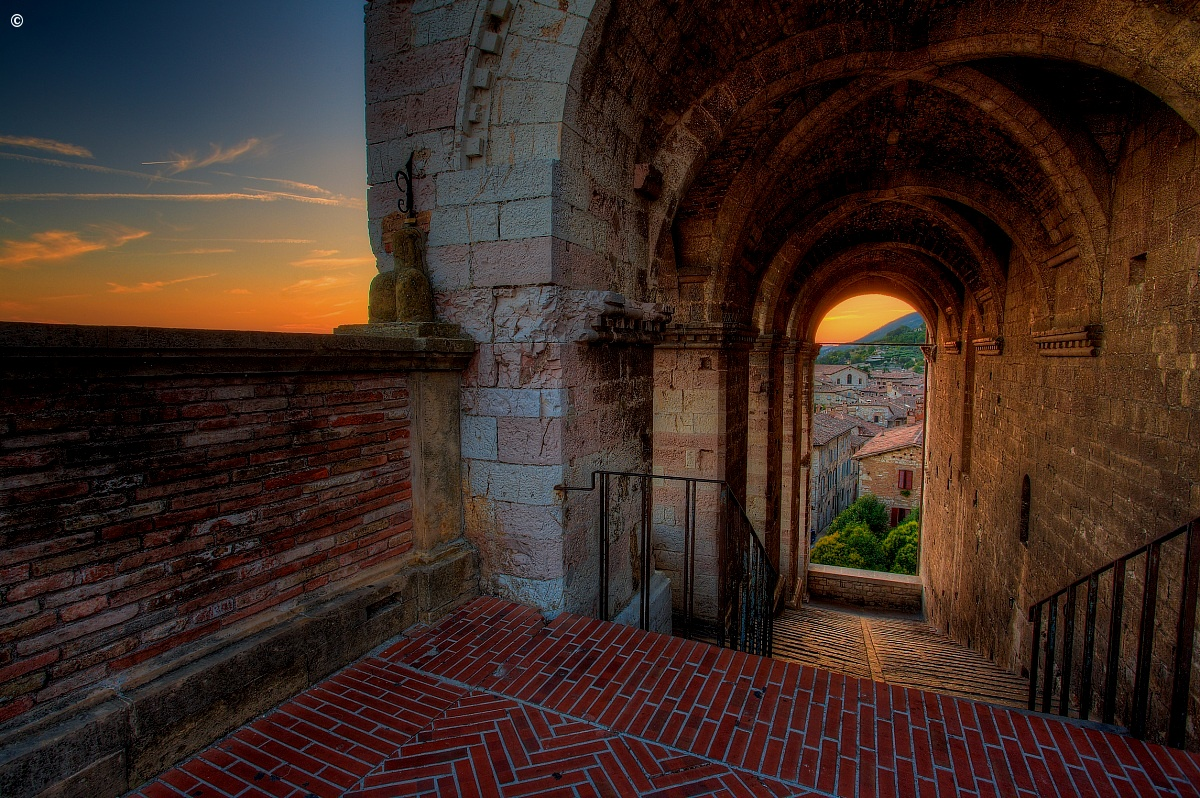 Gubbio - glimpse at sunset...