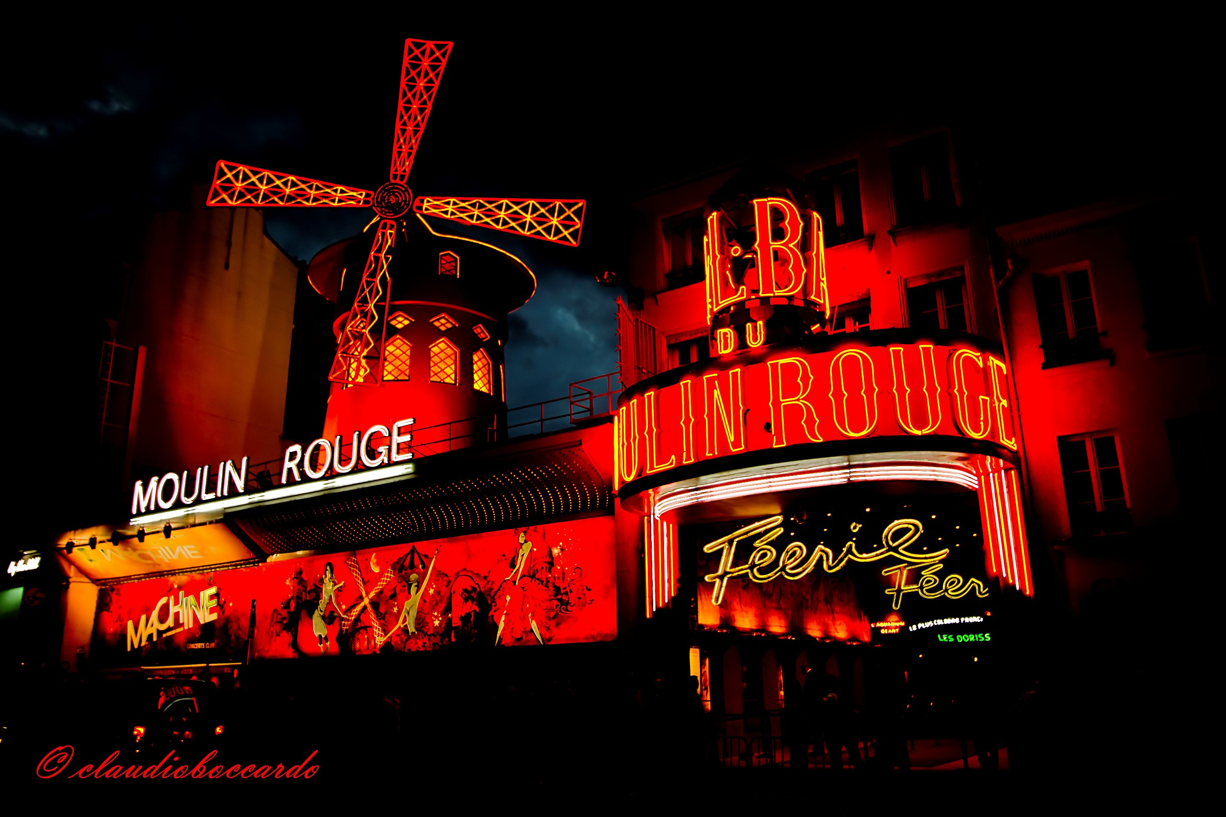 Moulin Rouge by night...