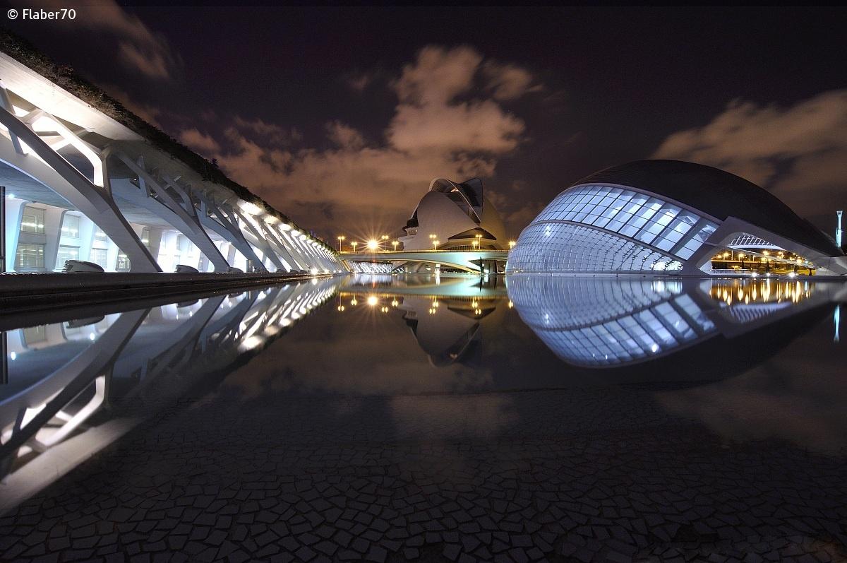 Ciudad de las Artes y las Ciencias notturna 3 Calatrava...