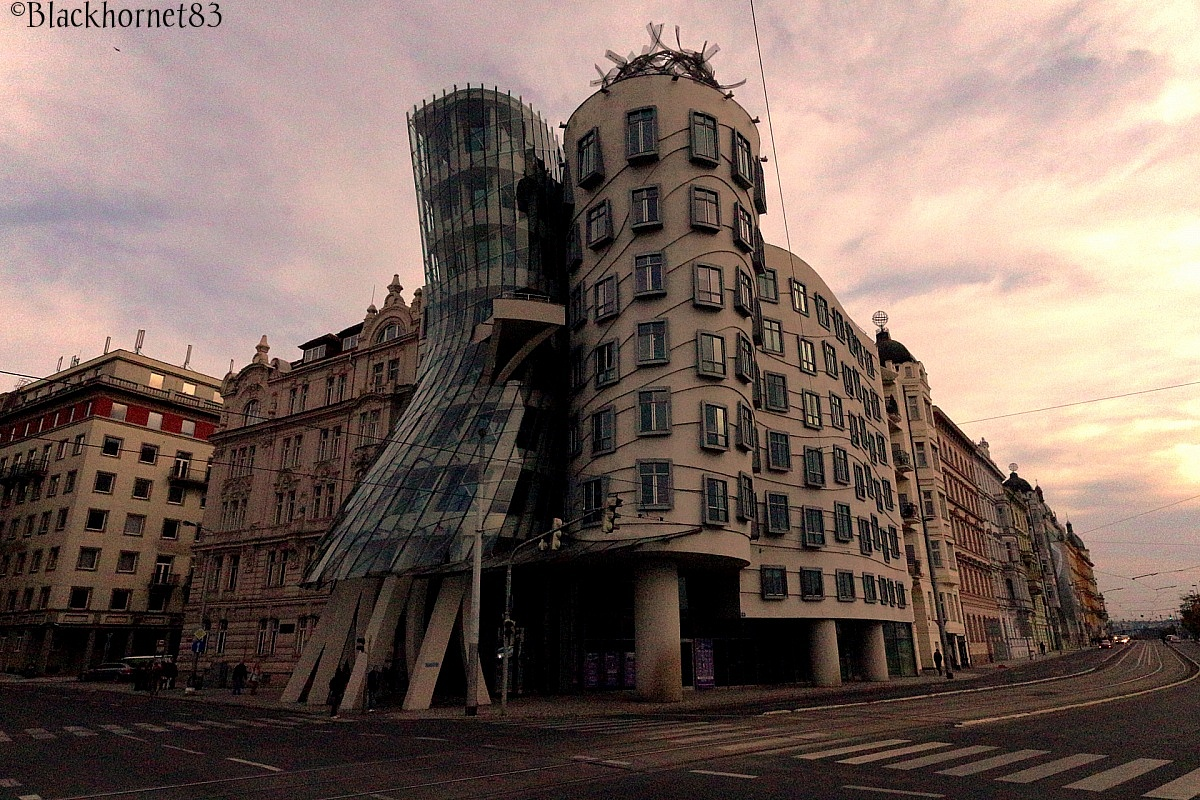 Prague Dancing House - Fred Astaire & Ginger Rogers...