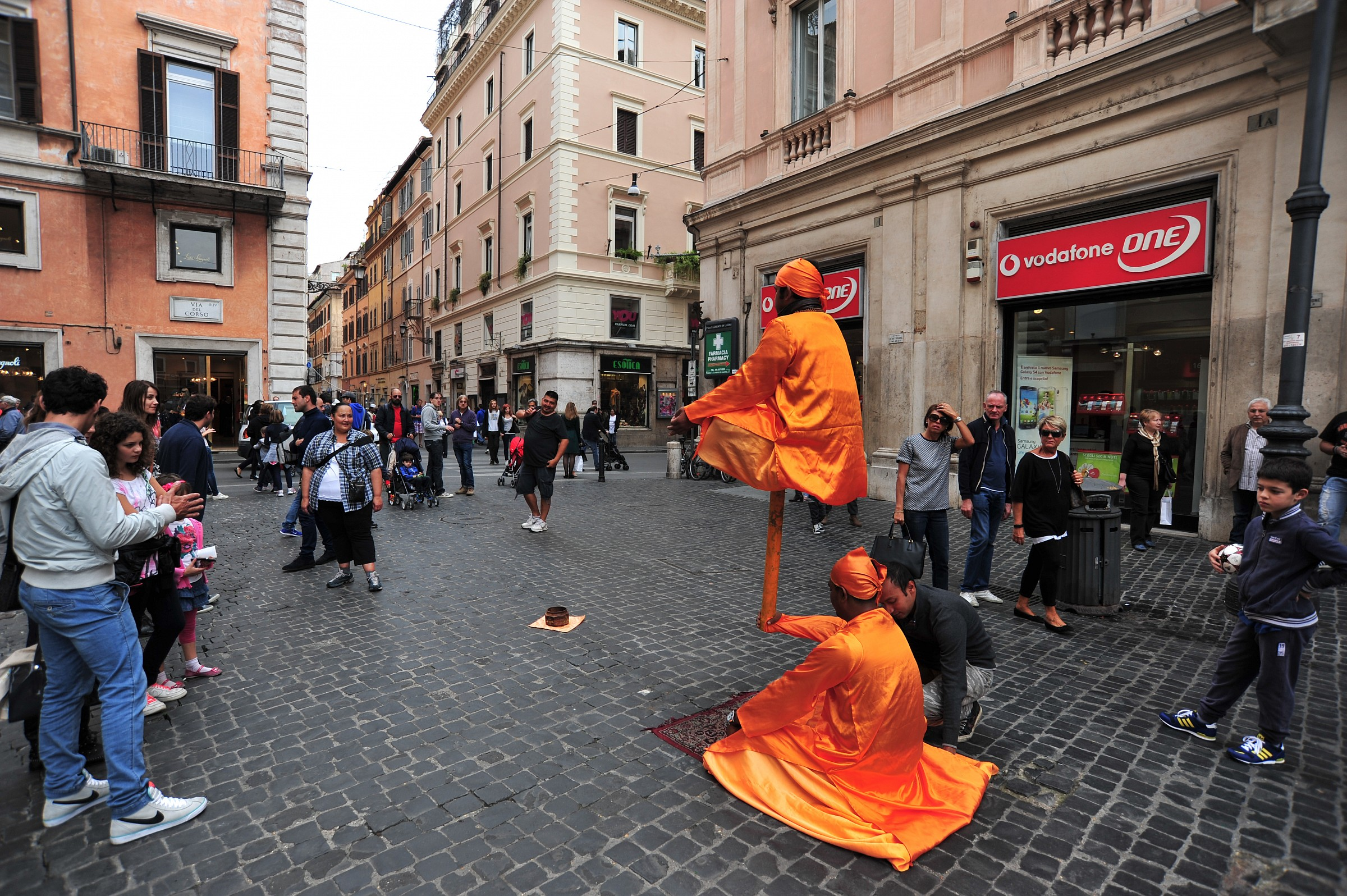 Mistero a Roma -Braccia fortissime...