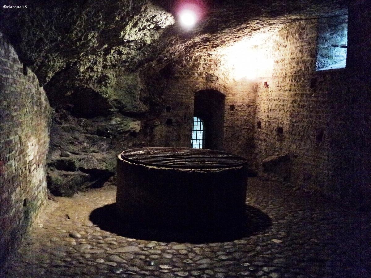 Pozzo sacrificale del castello di Trezzo S/A...