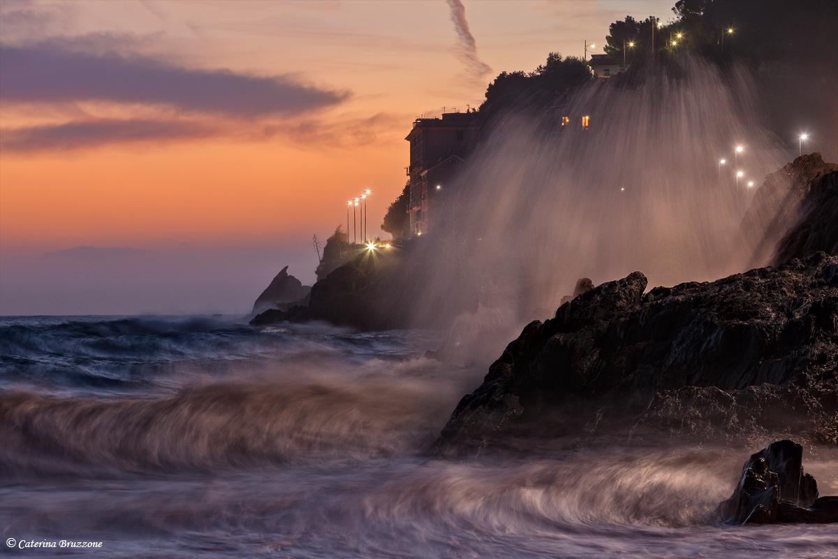 Crevari between land and sea...