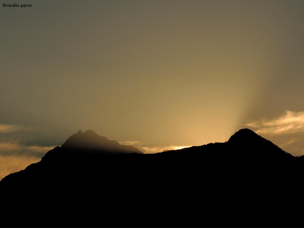 between sunset and saben crazy...