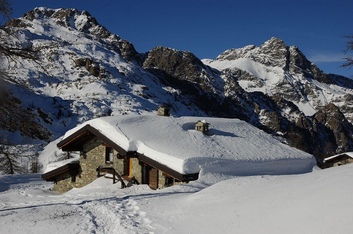Rifugio Barbustel in inverno...