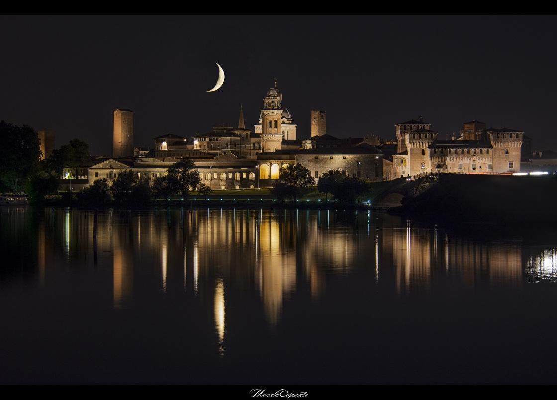 Reflexing Moon. Mantova...