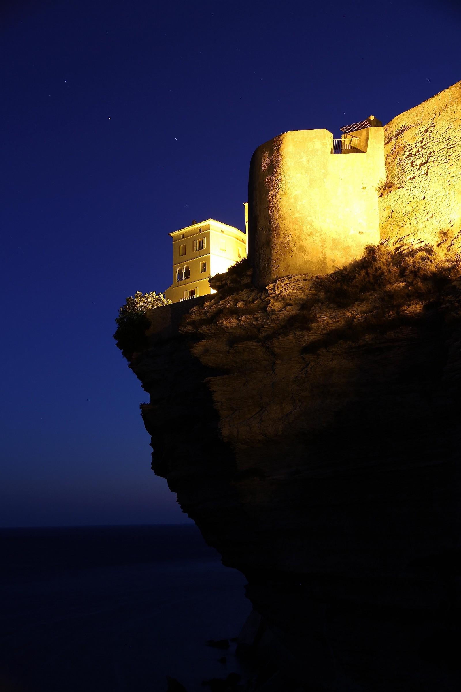 4 Bonifacio by night...