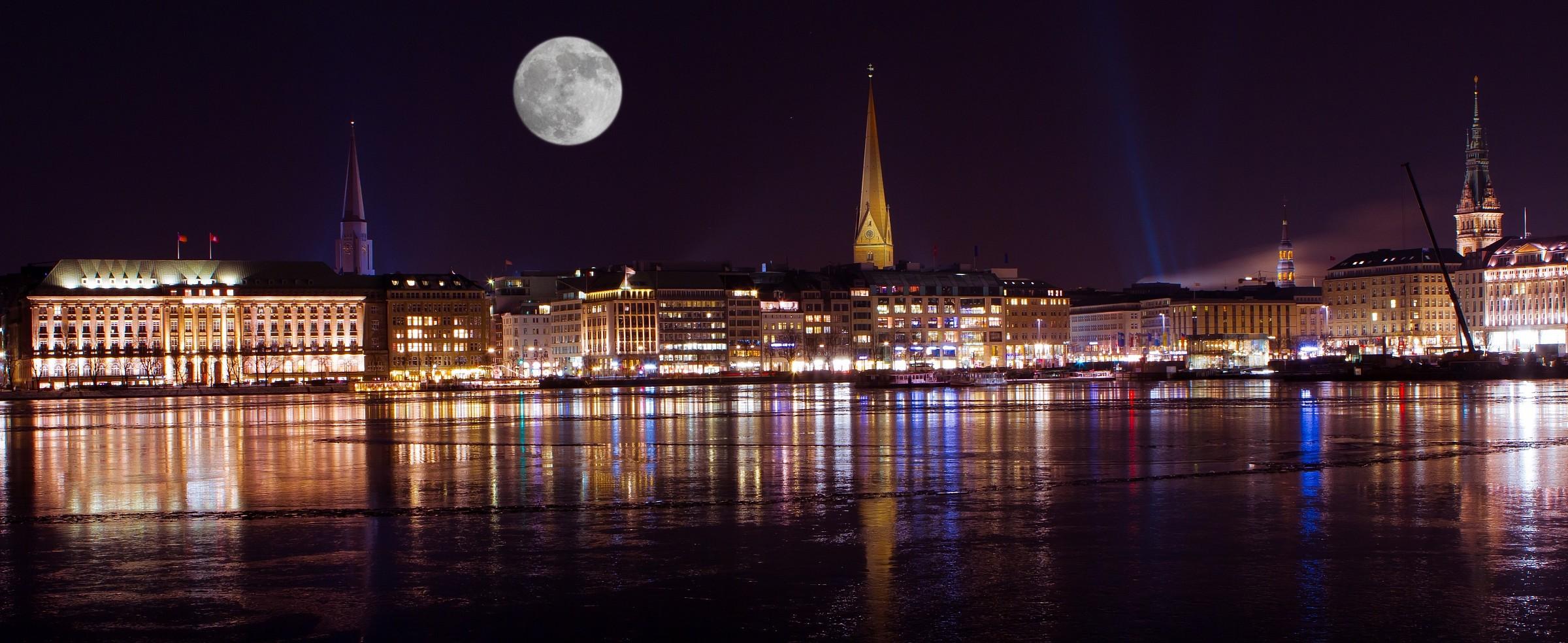 Hamburg night...