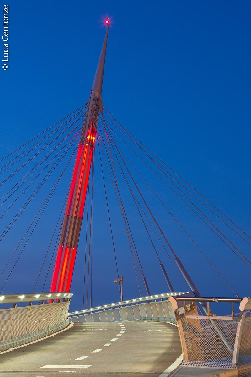 The bridge over the sea of ??Pescara (2)...